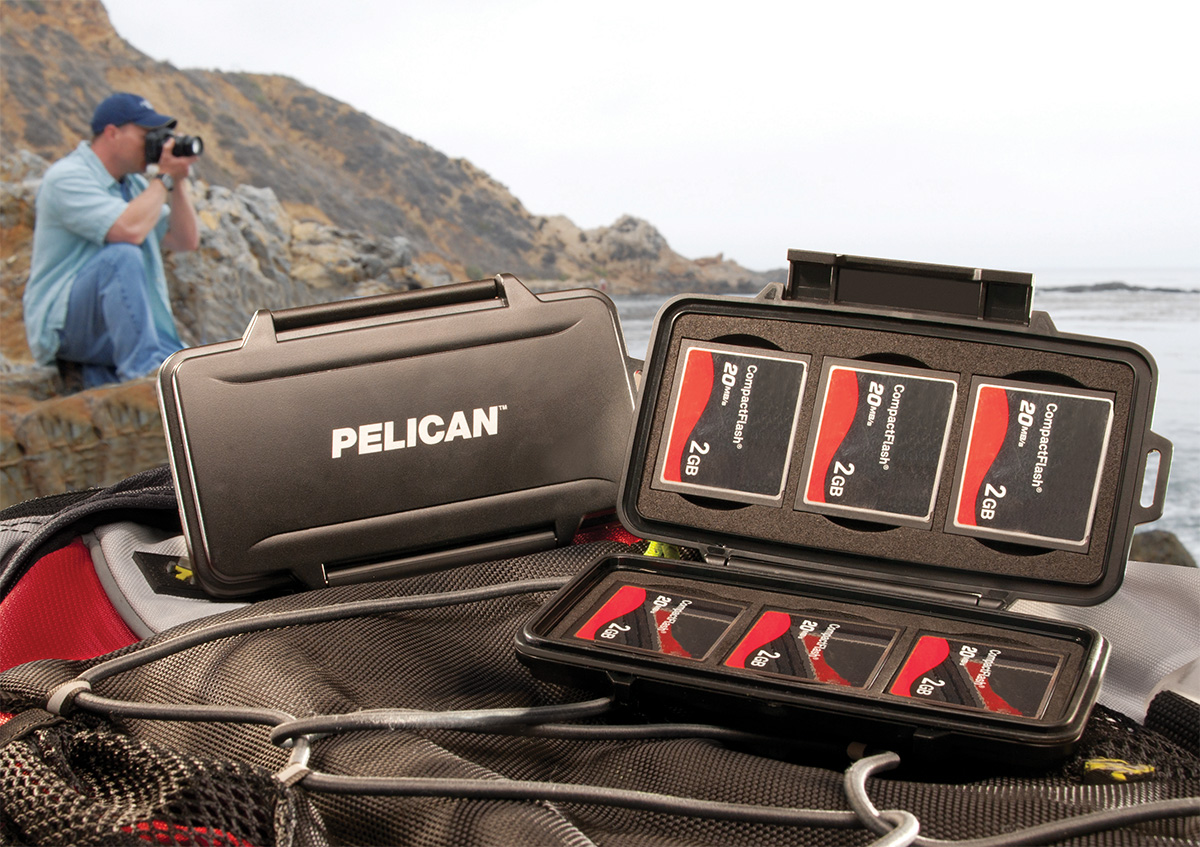pelican peli products 0945 waterproof compact flash hard case
