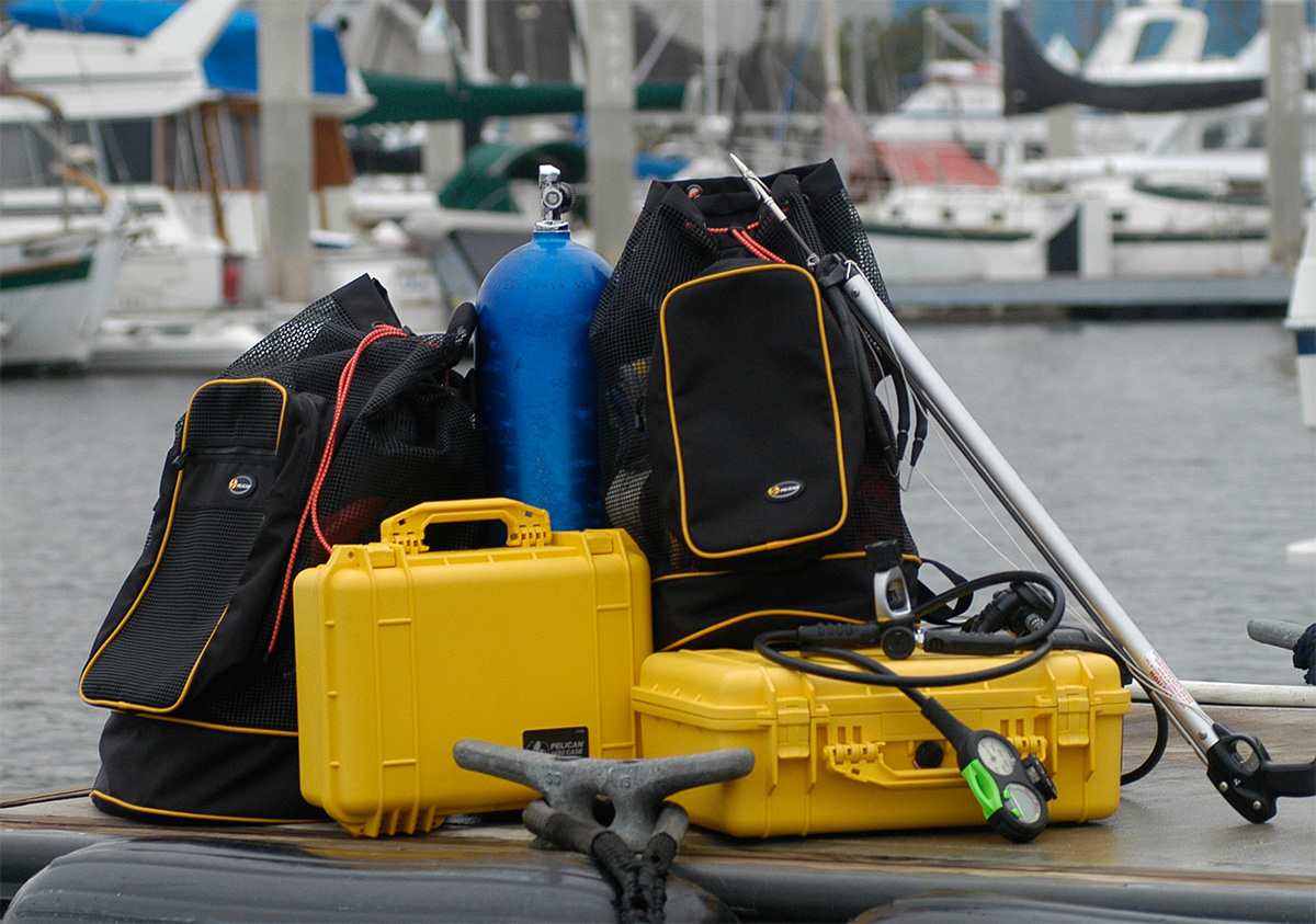 pelican peli products 1450 waterproof underwater dive case