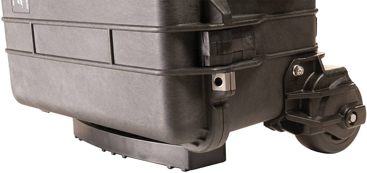 pelican peli products 1560M rugged rolling outdoor case