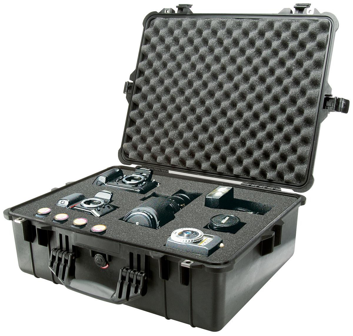 pelican peli products 1600 strong waterproof equipment case
