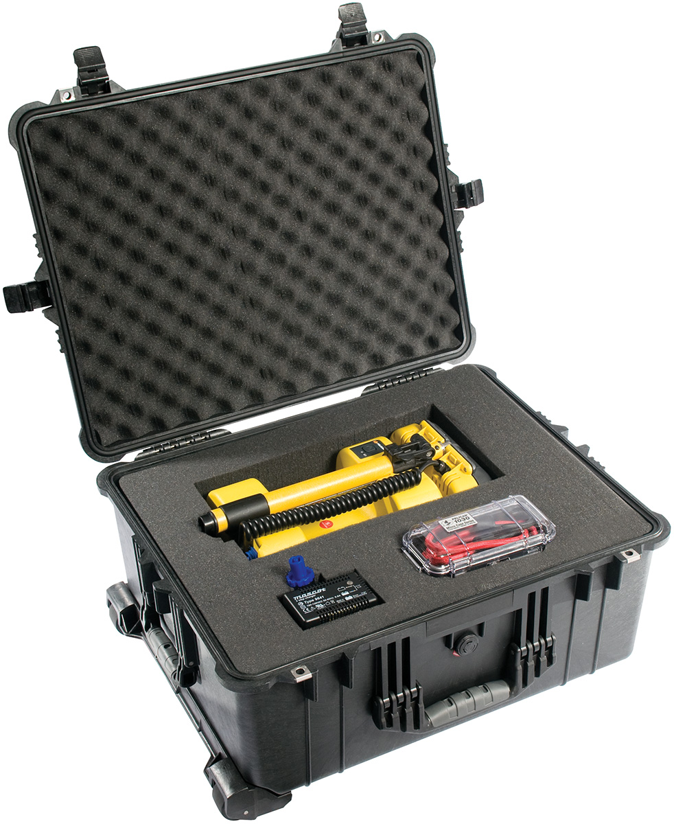 pelican peli products 1610 rolling travel police equipment case