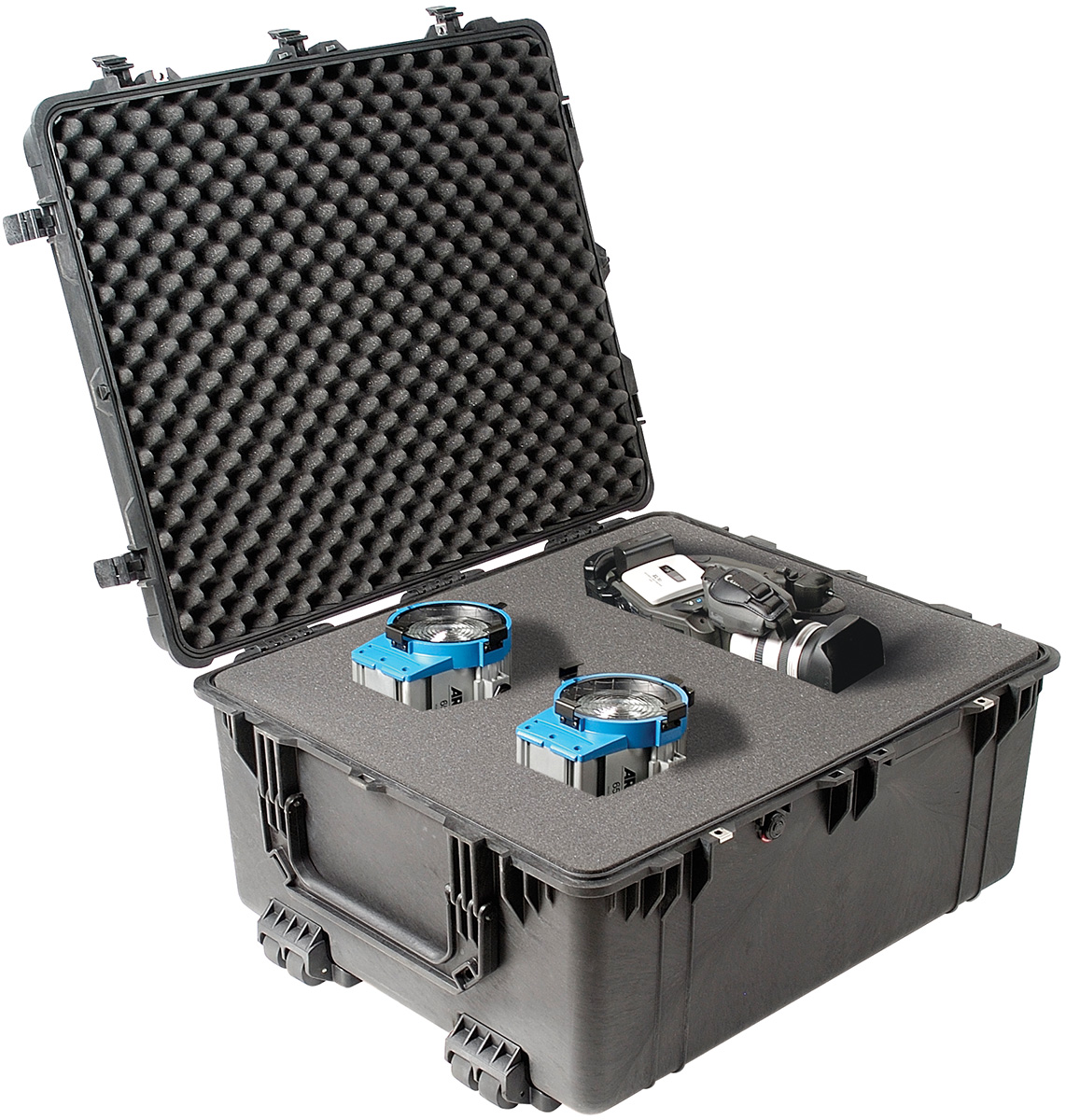 pelican peli products 1690 rolling video film camera gear case