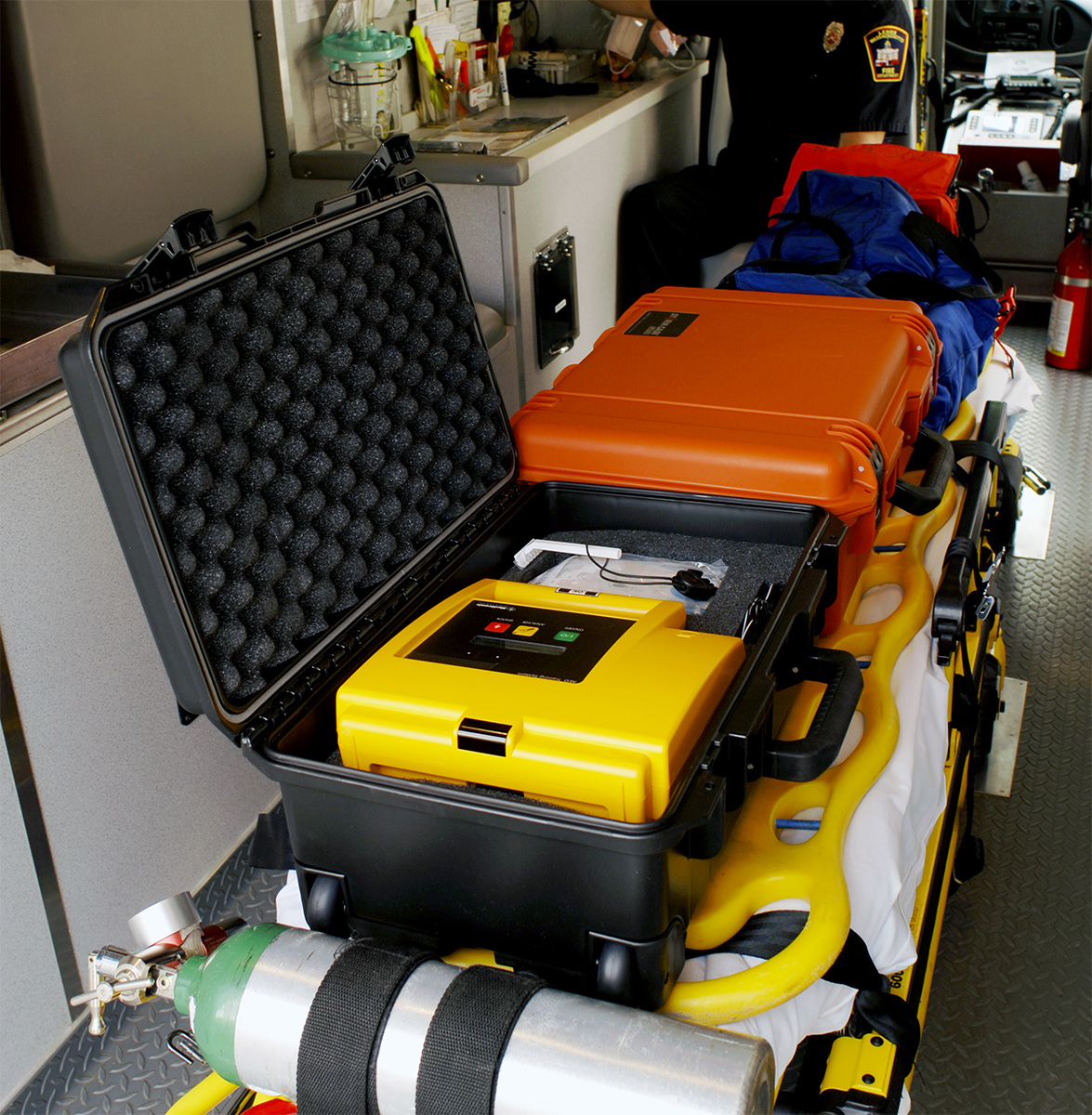 pelican peli products iM2500 storm ambulance emt rolling case