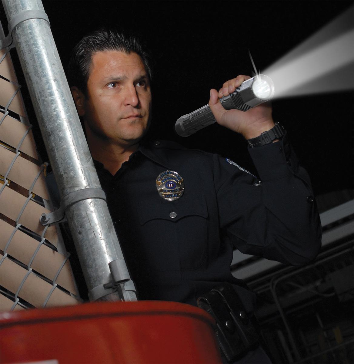 pelican peli products 8060 cop police nightstick mag flash light