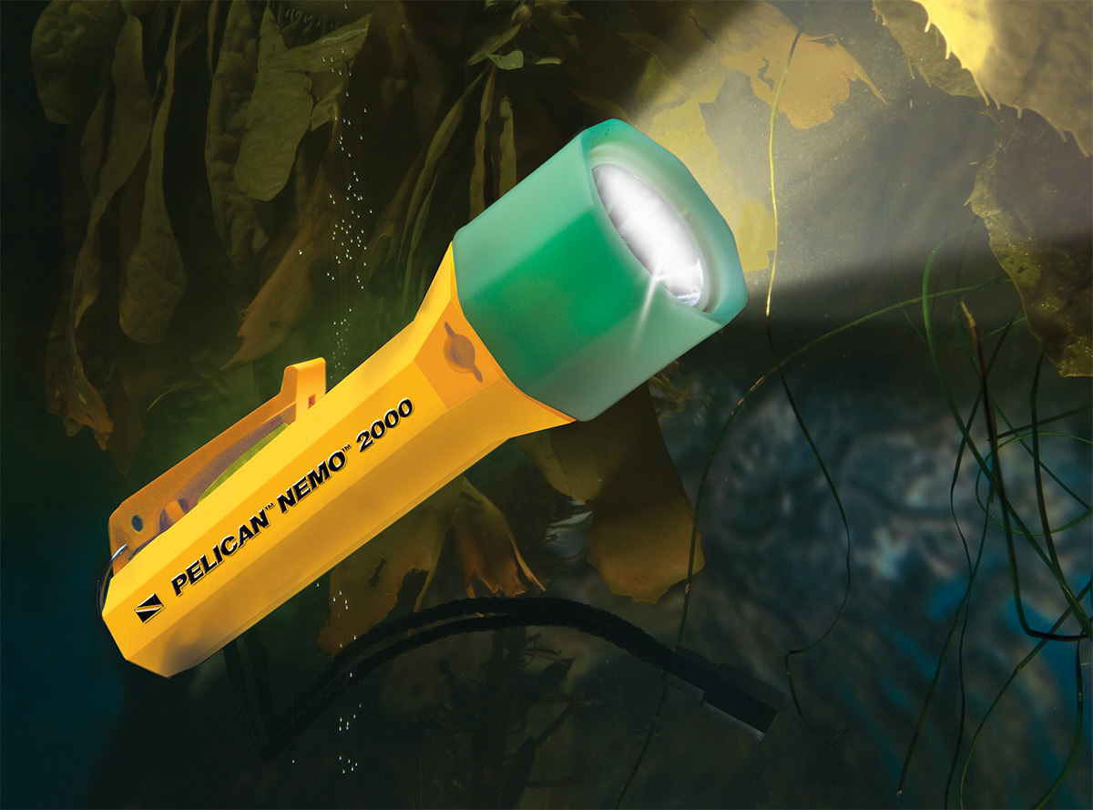 pelican peli products 2000N waterproof underwater scuba dive light