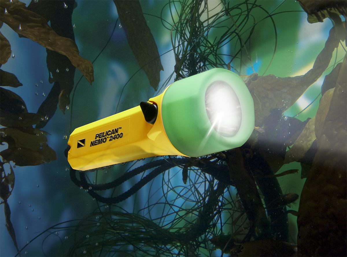 pelican peli products 2400N best waterproof scuba flashlight