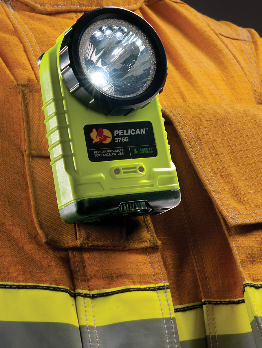 pelican peli products 3765 fire fighter clip led safety flashlight