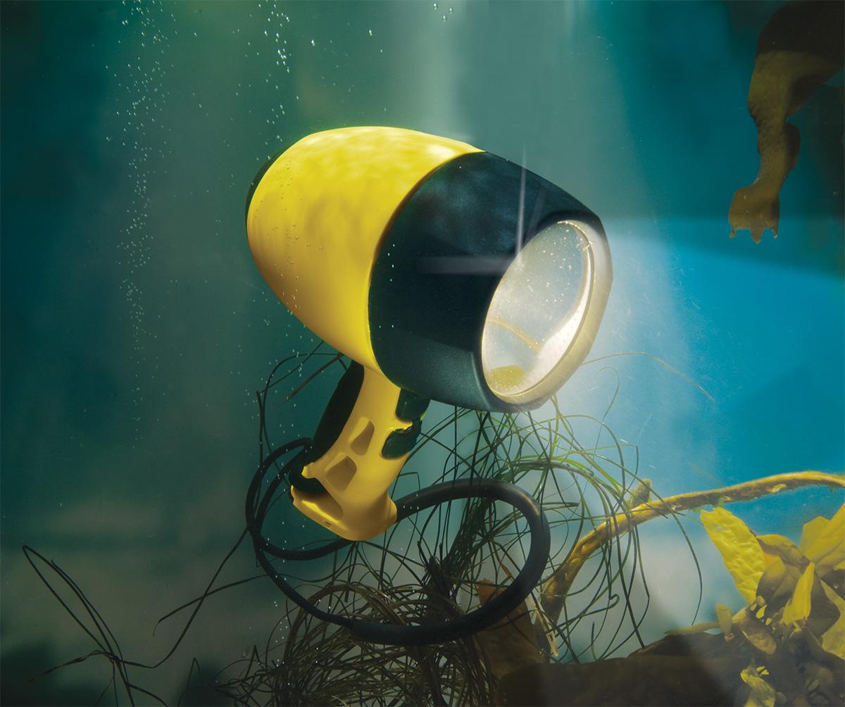 pelican peli products 4300N bright large underwater dive light