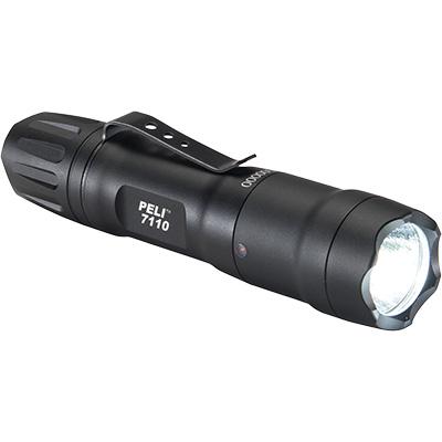 7110 LED Linterna Peli, Táctica con pilas intercambiables. Negra