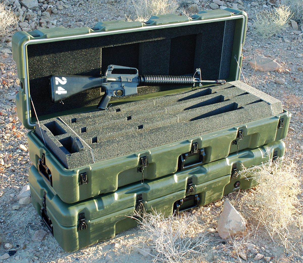 pelican peli products 472 M16 3 usa military army m16 hardcase