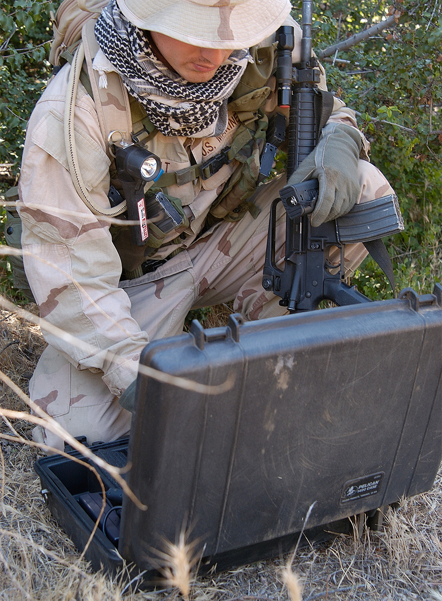 pelican peli products 1490 hard military laptop strong case