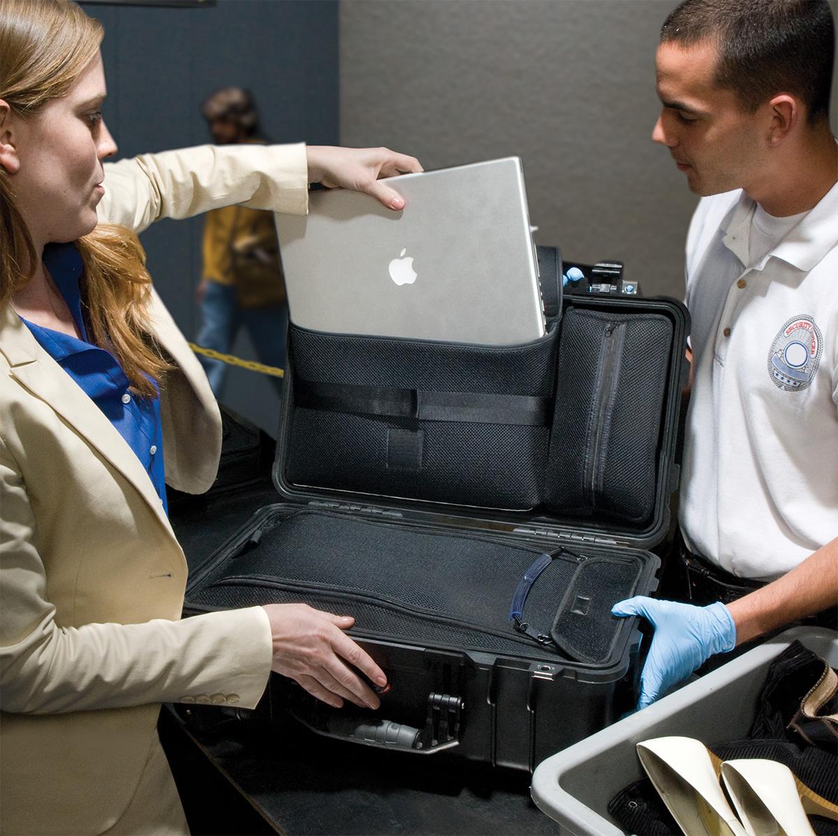 pelican peli products 1510LOC airplane tsa carry on rolling hard case