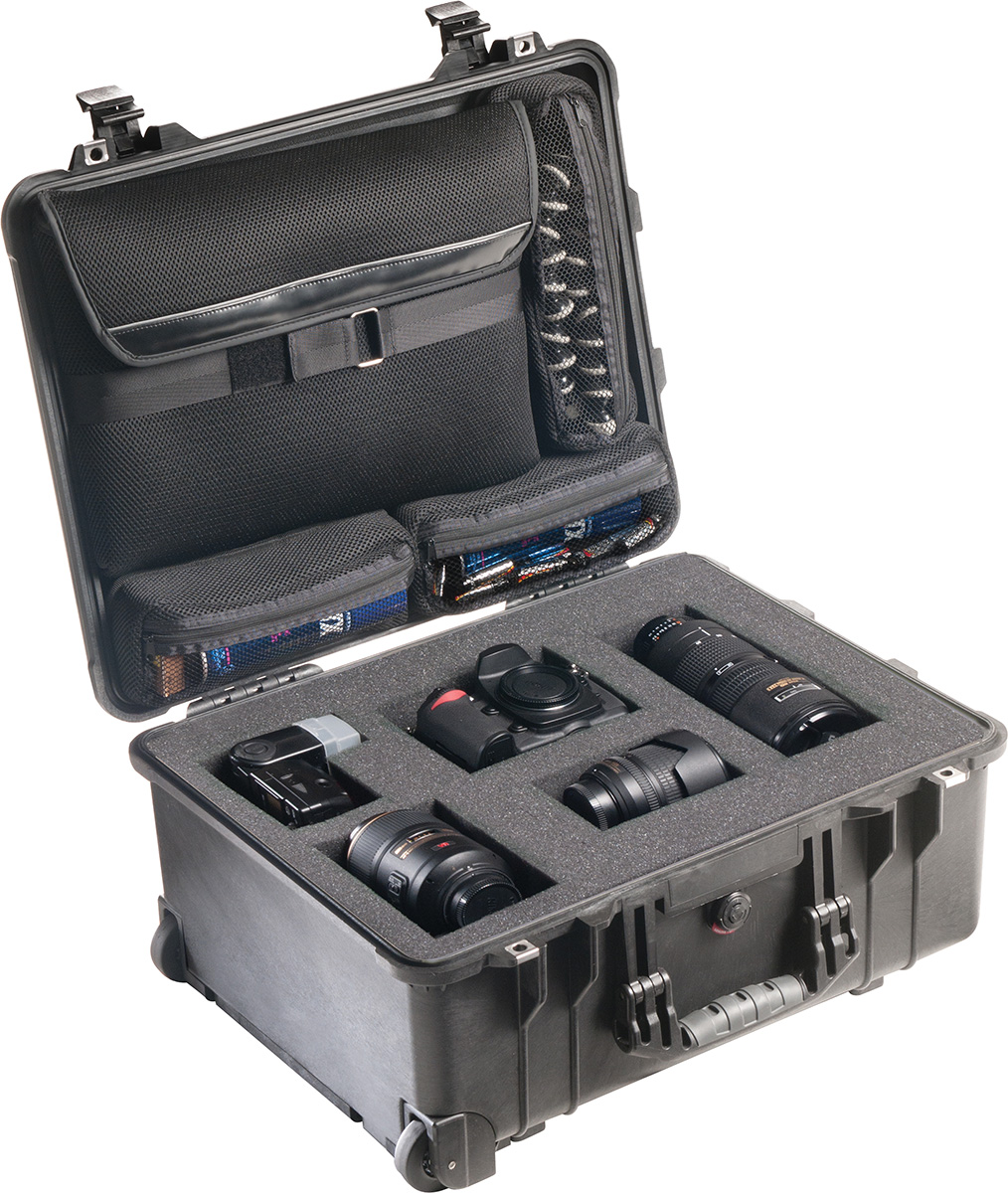 pelican peli products 1560LFC tough rolling protographer hard case