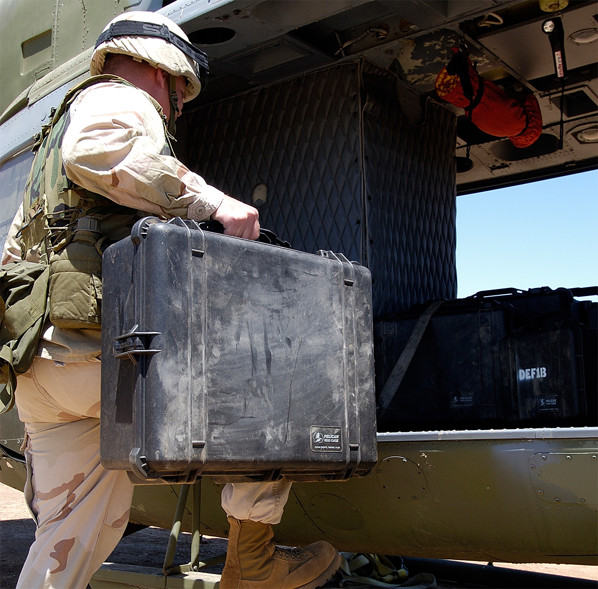 pelican peli products 1600 military usa made hard gun cases